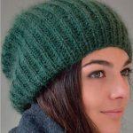 Стильная и модная шапка Бини спицами из мохера