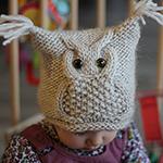 Оригинальная детская шапочка Сова спицами