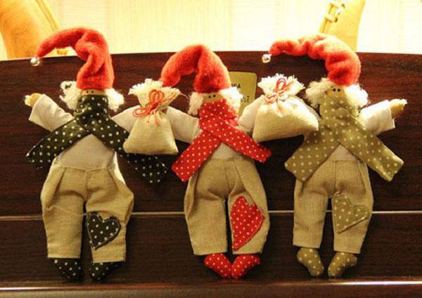Симпатичные гномики на Новый год своими руками nogodniy gnom 13