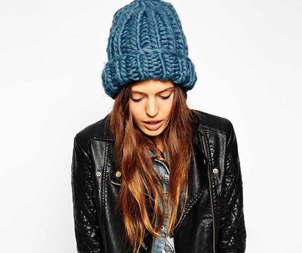 Шапка крупной вязки с отворотом спицами шапка крупной вязки с отворотом 3