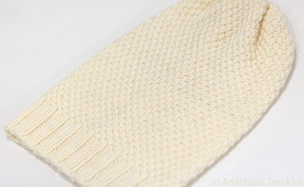 Яркая и стильная шапочка узором «Рис» шапка узором рис спицами 16