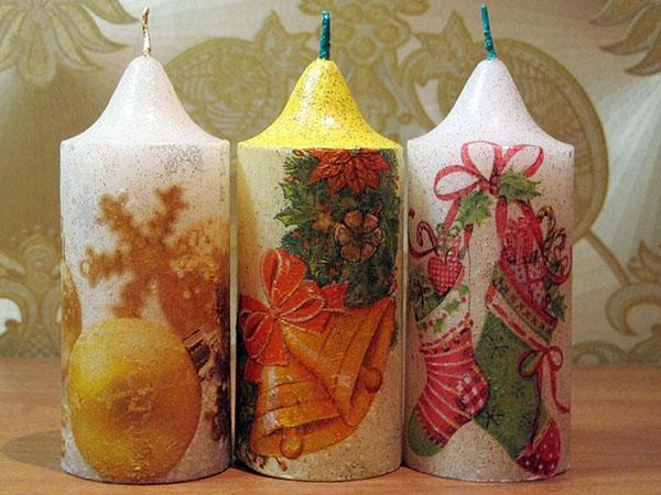 Декор свечей на Новый год: создаем праздничное настроение в доме novogodnie svechi v texnike dekupazh 1