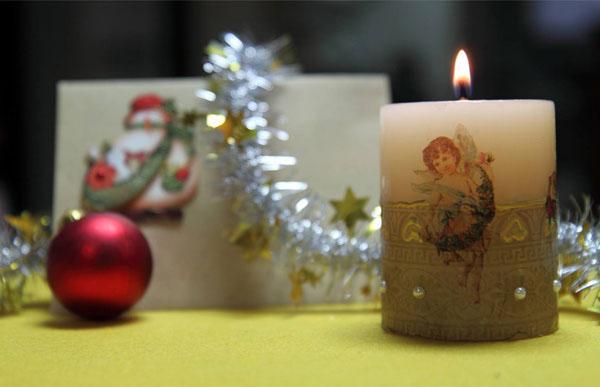 Декор свечей на Новый год: создаем праздничное настроение в доме novogodnie svechi v texnike dekupazh 12