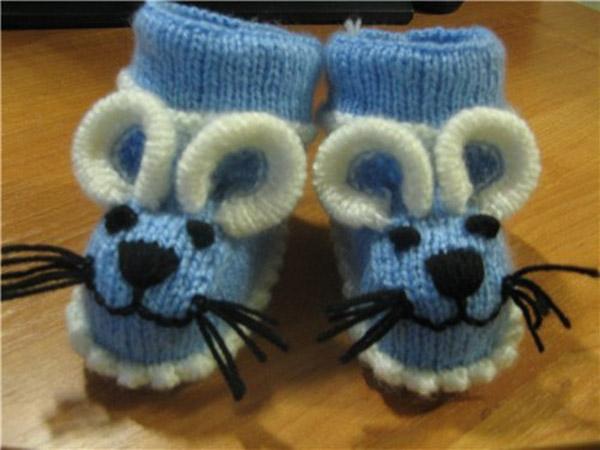 Веселые пинетки Мышки спицами для малыша pinetki myshki 1