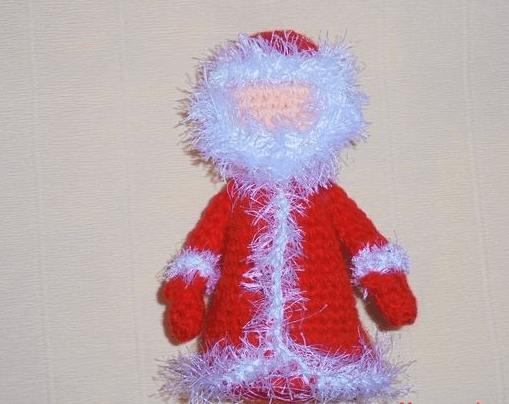 Дед мороз крючком: вяжем игрушку к Новому году 14 2