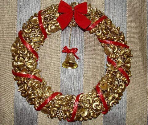 Венок из макарон на Рождество своими руками 3 6