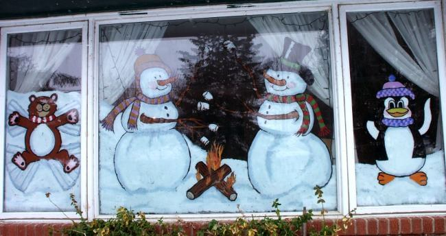 Украшаем окна к Новому году: шаблоны, советы 30