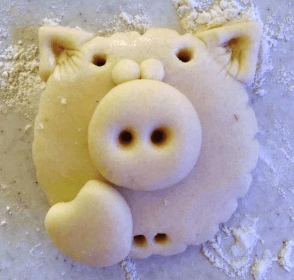 Поделка Свинья из соленого теста: оригинальный подарок на Новый год 2019 8 1