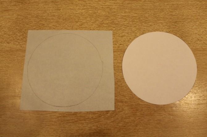 Дед Мороз из ватных дисков: поделка для детского сада ded moroz diskov 4