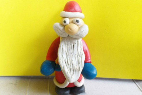 Лепим Деда Мороза на Новый год вместе с ребенком ded moroz iz plastilina 13