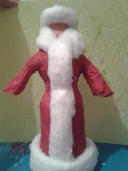 Дед мороз из ваты: делаем новогоднюю поделку ded moroz iz vaty 5