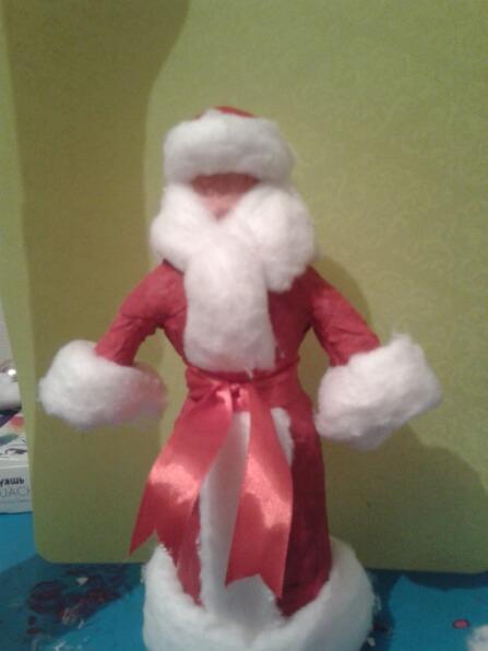 Дед мороз из ваты: делаем новогоднюю поделку ded moroz iz vaty 6