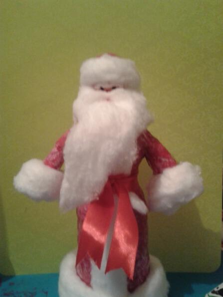 Дед мороз из ваты: делаем новогоднюю поделку ded moroz iz vaty 7
