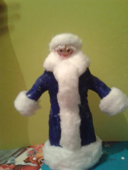 Дед мороз из ваты: делаем новогоднюю поделку ded moroz iz vaty 9