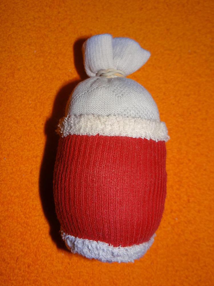 Дед Мороз из носка: готовимся к празднику заранее ded moroz iz noska 11