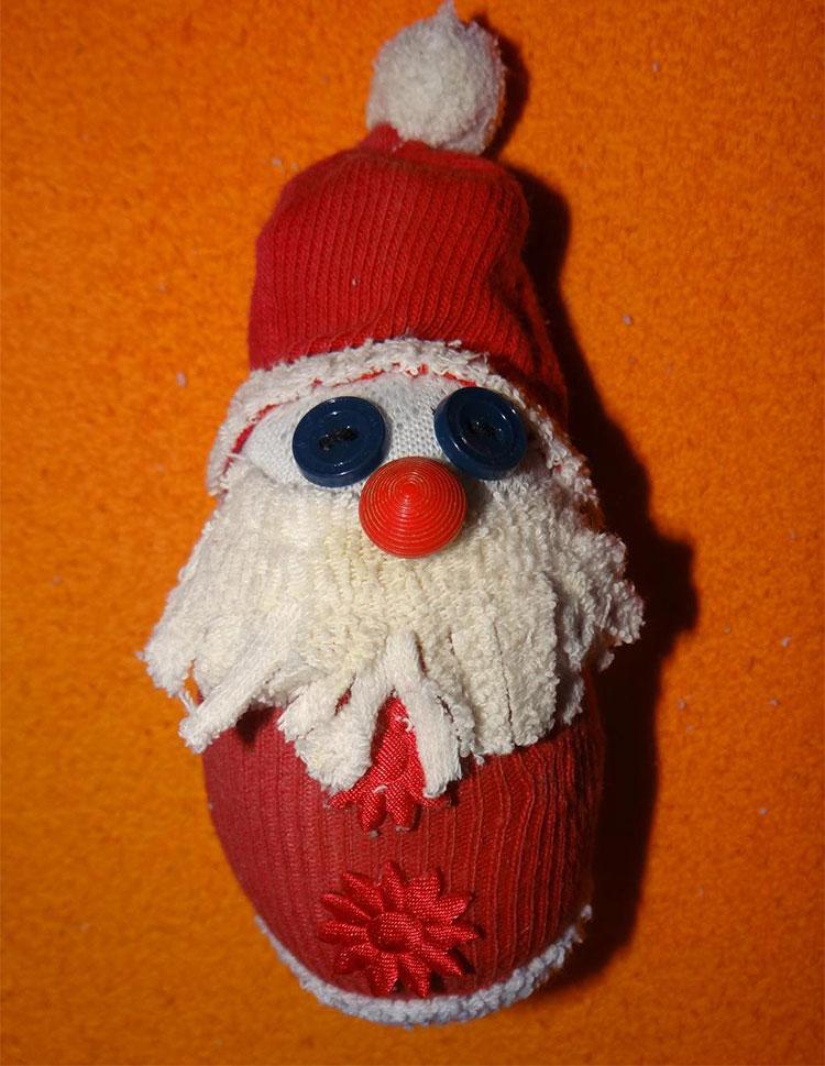 Дед Мороз из носка: готовимся к празднику заранее ded moroz iz noska 23