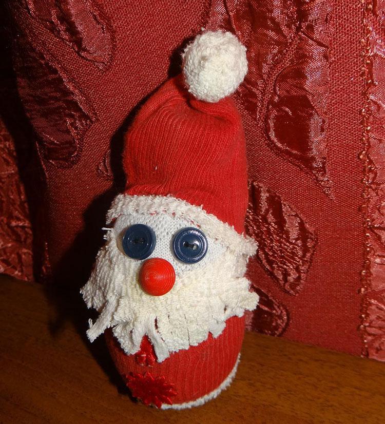 Дед Мороз из носка: готовимся к празднику заранее ded moroz iz noska 25