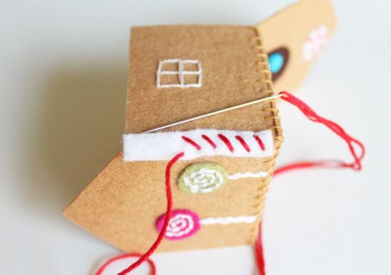 Создаем красивые домики из фетра на Новый год domik 11