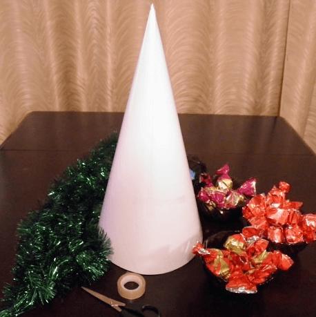 Елочка из мишуры на Новый год: различные способы создания elka iz mishury 16