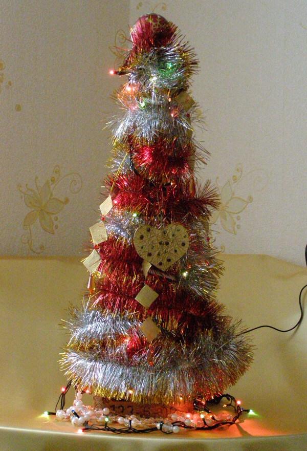 Елочка из мишуры на Новый год: различные способы создания elka iz mishury 27