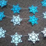 Снежинки-гирлянды из бумаги: украшаем квартиру на Новый год