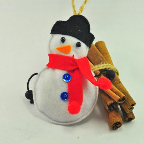 Снеговик из фетра: детская поделка к новому году kak sdelat snegovika iz fetra 12