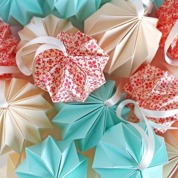 Поделки из цветной бумаги на Новый год novogodnie igrushki iz cvetnoj bumagi 1