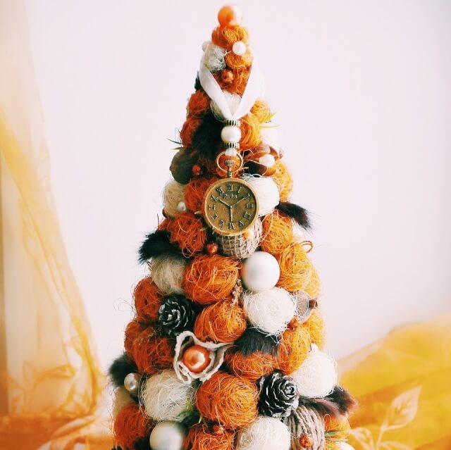 Поделки из шариков сизаля: елочка на Новый год podelka iz sizalya 11
