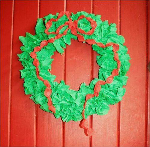 Новогодние поделки из гофрированной бумаги: украшаем дом своими руками podelki iz gofrirovannoj bumagi na novyj god 10