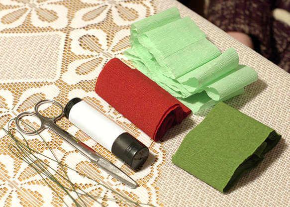 Новогодние поделки из гофрированной бумаги: украшаем дом своими руками podelki iz gofrirovannoj bumagi na novyj god 6 6