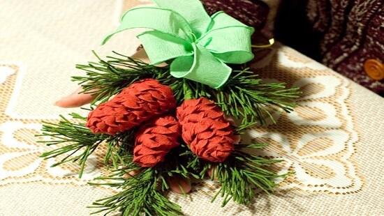 Новогодние поделки из гофрированной бумаги: украшаем дом своими руками podelki iz gofrirovannoj bumagi na novyj god 7