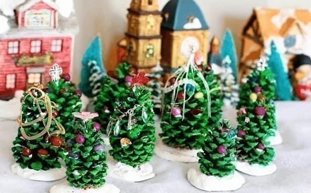 Подготовка к Новому году: поделки из шишек podelki iz shishek 21