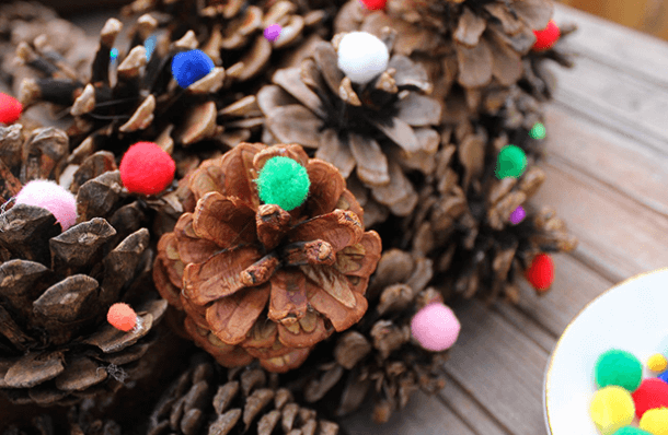 Подготовка к Новому году: поделки из шишек podelki iz shishek 28