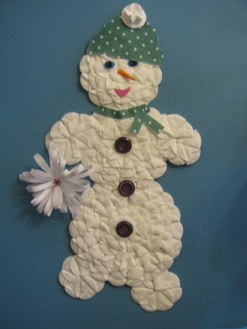 Снеговик из ватных дисков: веселая поделка для детей snegovik iz diskov 11