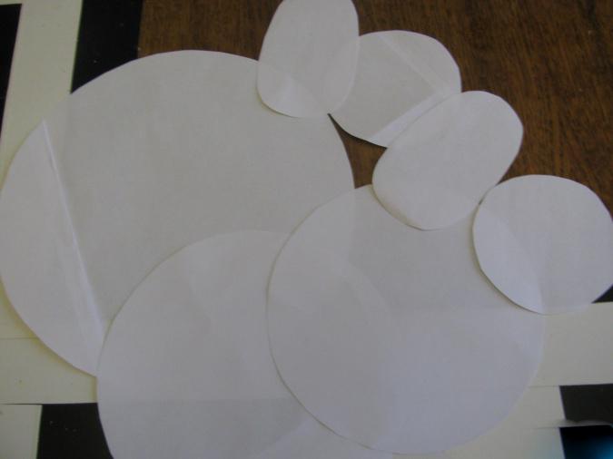 Снеговик из ватных дисков: веселая поделка для детей snegovik iz diskov 3