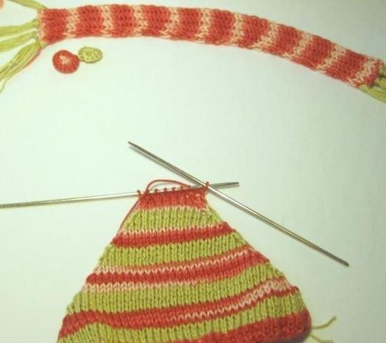Вяжем снеговика крючком: яркая игрушка под елку snegovik kruchkom 9