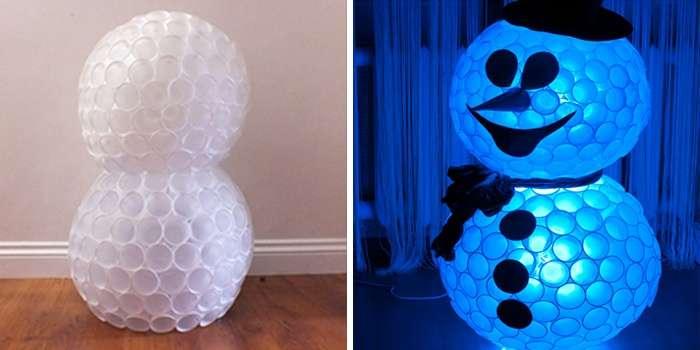 Снеговик из пластиковых стаканчиков: пошаговая инструкция snegovik svoimi rukami 5