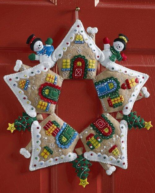 Яркий венок из фетра на дверь к Рождеству или Новому году venok 18