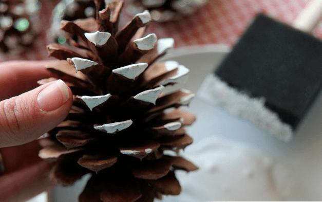 Венок из мишуры на Новый год своими руками venok iz mishury 2