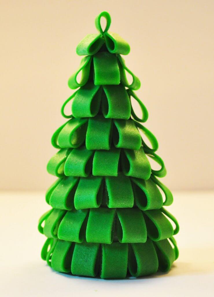 Елка из пластилина: детская поделка на Новый год Elka iz plastilina 23