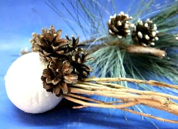 Топиарий из шишек как украшение на Новый год Topiarij iz shishek 12