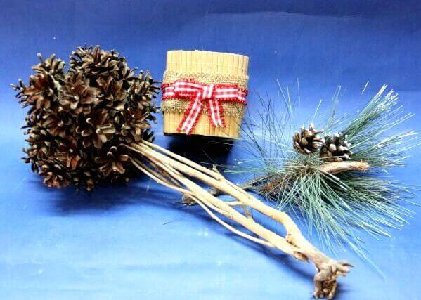 Топиарий из шишек как украшение на Новый год Topiarij iz shishek 15