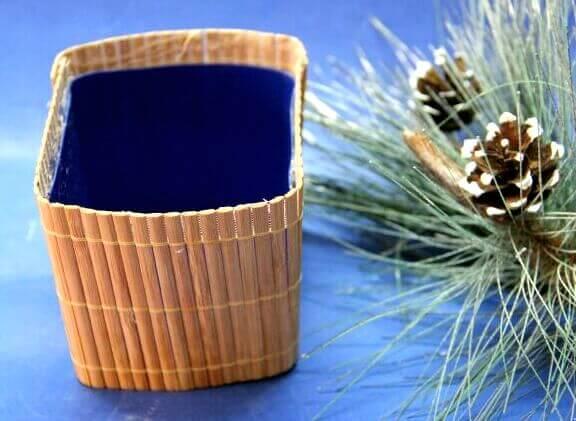 Топиарий из шишек как украшение на Новый год Topiarij iz shishek 8