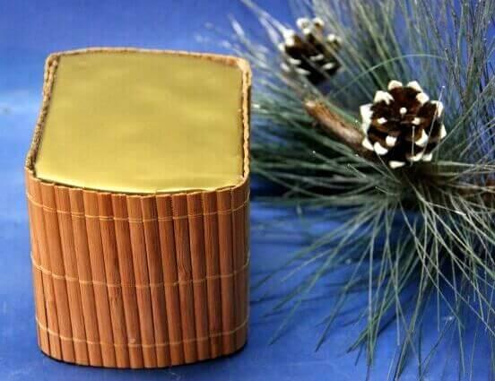 Топиарий из шишек как украшение на Новый год Topiarij iz shishek 9