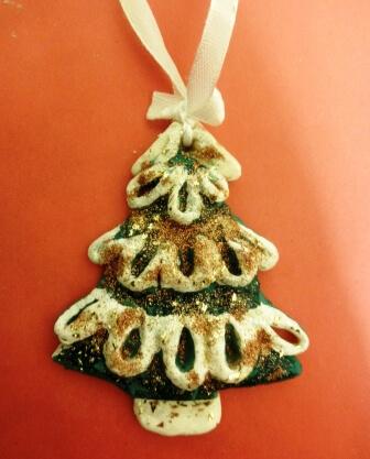 Елочка из соленого теста   оригинальная игрушка на Новый год elochka solenogo testa 12