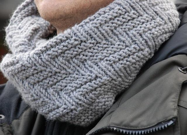 Модный шарф хомут, связанный узором Протектор sharf uzorom protektor 3