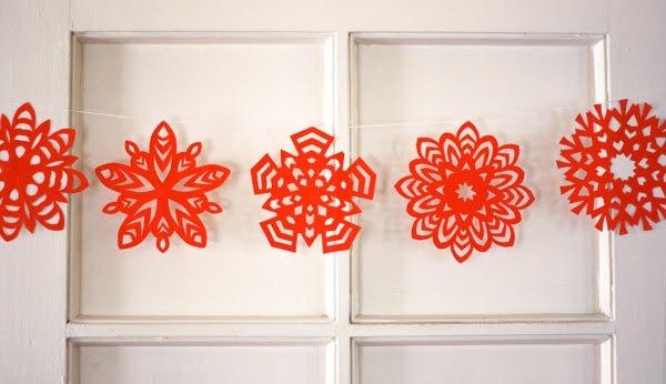 Красивые снежинки из бумаги: советы, схемы snowflakes 24