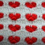 Узор Сердечки крючком безотрывным вязанием