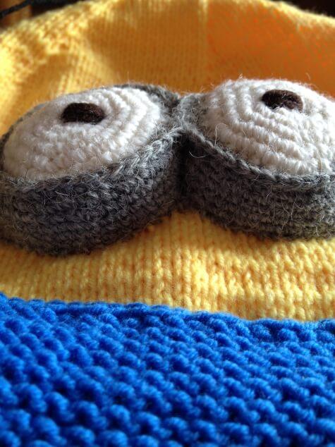 Веселая шапочка Миньон для вашего ребенка shapka minon spicami 15