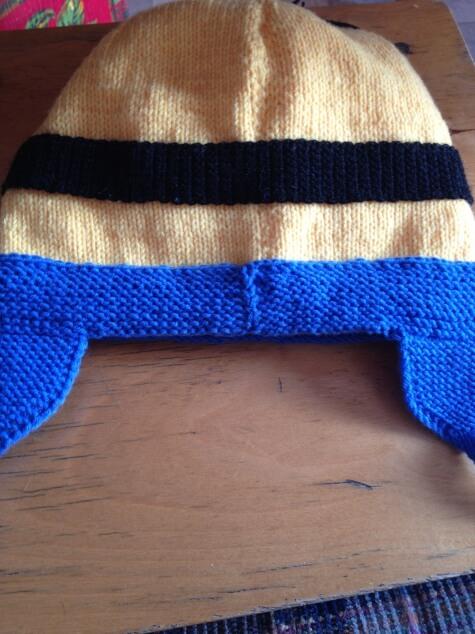 Веселая шапочка Миньон для вашего ребенка shapka minon spicami 16